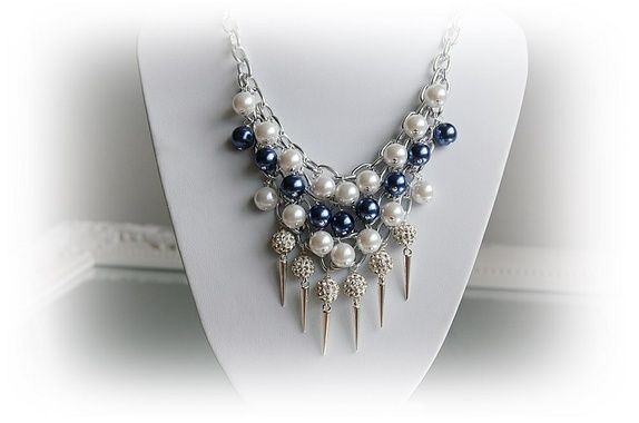 Eplabiter -  Statement necklace with shamballe pearls and earrings Statement smykke med shamballa perler og ørepynt http://epla.no/shops/mona-lisa/