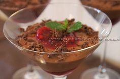 Mousse de Chocolate com Frutas Vermelhas   Receitas e Temperos