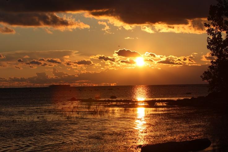 Put-in-Bay (South Bass Island) sunset. #OHIO #travel #putinbay Lake Erie
