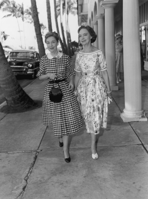 Dorothy and Lillian Gish, 1950s. Strange neither sister ever married.