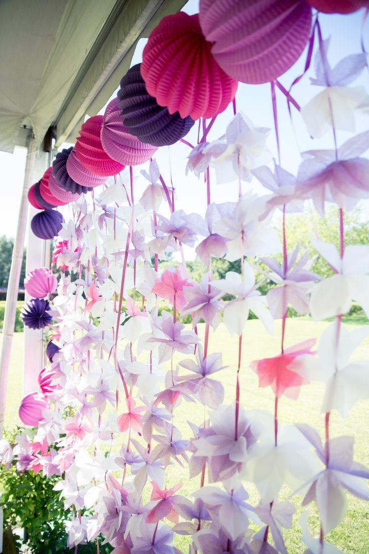 Photocall para boda con flores y farolillos de papel - Farolillos de papel ...