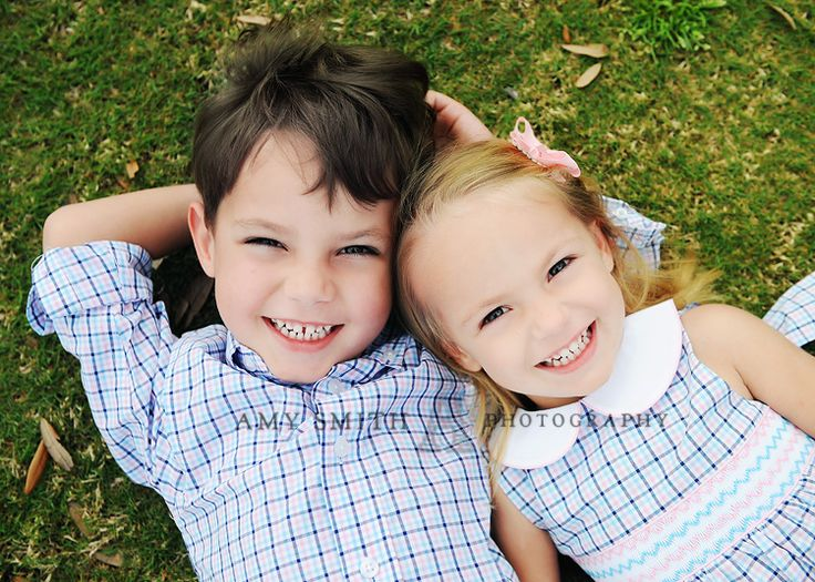 1000+ ideas about Sibling Poses on Pinterest | Older Sibling Poses ...