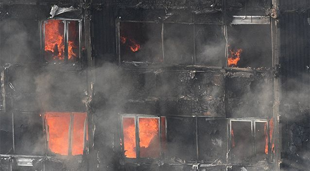London fire Grenfell Tower: Fears apartment building on fire is on brink of collapse - Yahoo7