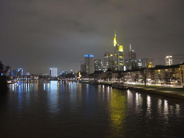 Frankfurt am Main - partenza da Orio al Serio - Ryanair - 30€ Volo del 16-11-2013 alle ore 6:30 con ritorno il 17-11-2013 alle 10:00 www.goloco.me