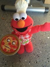 ELMO Toy Talk and Sing  ANIMATED PIZZA PIE ELMO DOLL -PIZZA  PIE SINGS TOO NICE