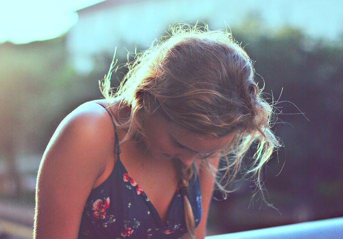 18 Struggles Of Having An Outgoing Personality But...