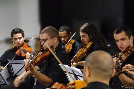 A Camerata Erudita, orquestra de câmara idealizada pelo maestro Miguel Forte, faz concerto único na Oficina Cultural Oswald de Andrade, nesta sexta-feira, 20, a partir 20h30, com entrada Catraca Livre.