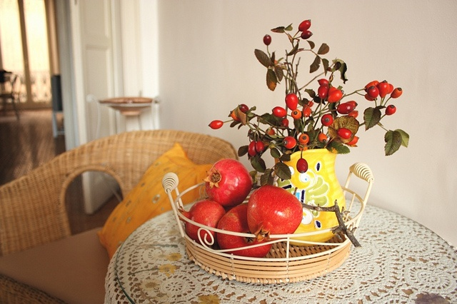 Decorating one of our BB room with fruits of autumn
