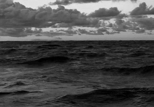 21 Serene Wave GIFs To Help You Calm Down