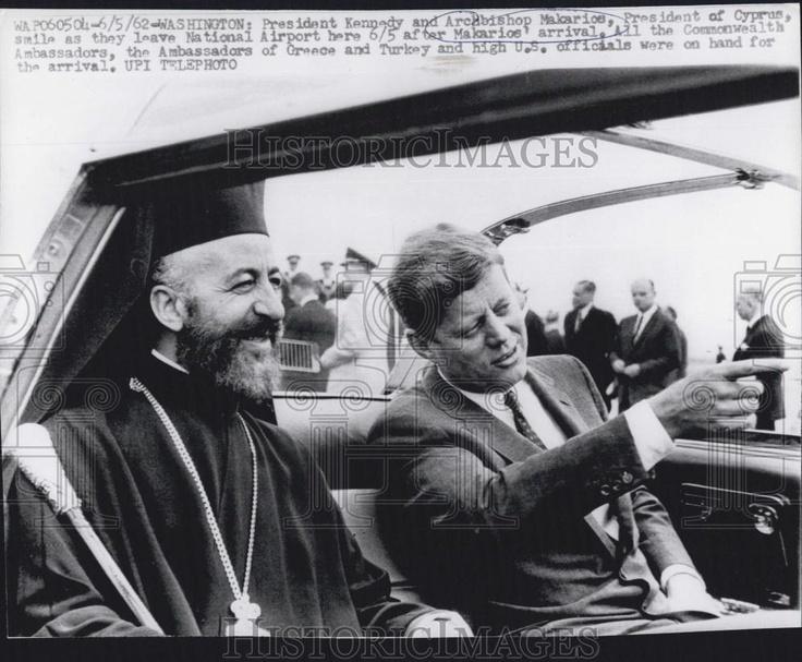 1962. Juin. JFK with Archbishop Makarios III, President of Cyprus