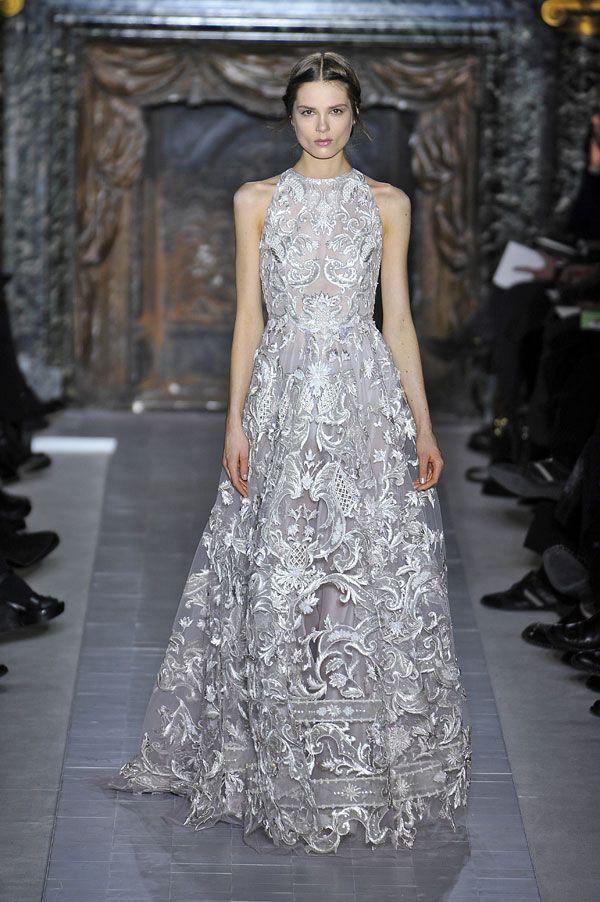 Semana da Moda de Paris: vestidos de noiva 2013. #casamento #vestidodenoiva #cinzento                                                                                                                                                                                 Mais