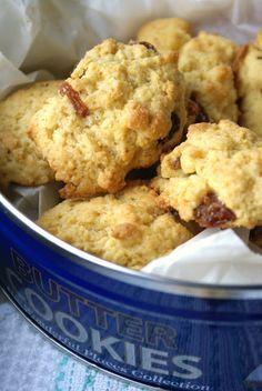 un pizzico di magia: Biscotti con uvetta e farina di mais