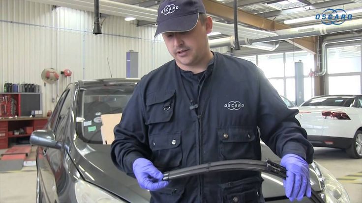 Peugeot 307 - Cómo cambiar la escobilla del limpiaparabrisas delantero