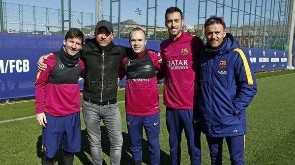 Eros Ramazzotti pod wrażeniem gola Argentyńczyka • Lionel Messi zachwycił włoskiego piosenkarza • Tak Messi wkręcił piłkę do bramki >> #messi #lionelmessi #barca #fcbarcelona #barcelona #football #soccer #sports #pilkanozna