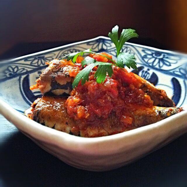 セロリ、玉ねぎ、にんにく、ホールトマトと圧力鍋で15分♪ほどよく身がしまりd=(^o^)=b - 68件のもぐもぐ - いわしの圧力鍋トマト煮♪ by kumikooh19910f