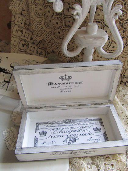 Купить или заказать Купюрница 'Черно-белый винтаж' декупаж шкатулка для денег в интернет-магазине на Ярмарке Мастеров. Шкатулочка-купюрница в черно-белом стиле. Выполнена в технике французский декупаж. Искусственно состарена. В ней можно подарить денежный подарок или просто хранить купюры. Сделана на заказ. ------------------------------------------------------------------------ В отделке используются безопасные для здоровья материалы, отмеченные знаком 'Голубой ангел'!