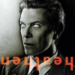 """DAVID BOWIE """"Heathen"""" – LP (180g) David Bowie wusste sein Leben lang zu begeistern. Der schillernde Entertainer eroberte in den 70er und 80er Jahren mit Hits wie """"Life On Mars"""", """"Space Oddity"""", """"Heroes"""", """"Ashes To Ashes"""" und """"Starman"""" die Charts. Sein 2002 erschienenes Longplay HEATHEN überraschte einmal mehr mit exzellenten Songs. Produziert von Bowie und Tony Visconti standen als Mitstreiter u.a. Dave Grohl, Tony Levin und Pete Townsend mit im Studio."""