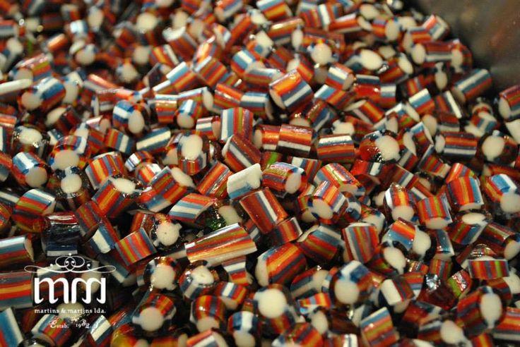 Rebuçados fantasia alusivos ao traje madeirense.  Uma versão de rebuçados de Funcho mais arrojada. wwww.martinsemartins.com