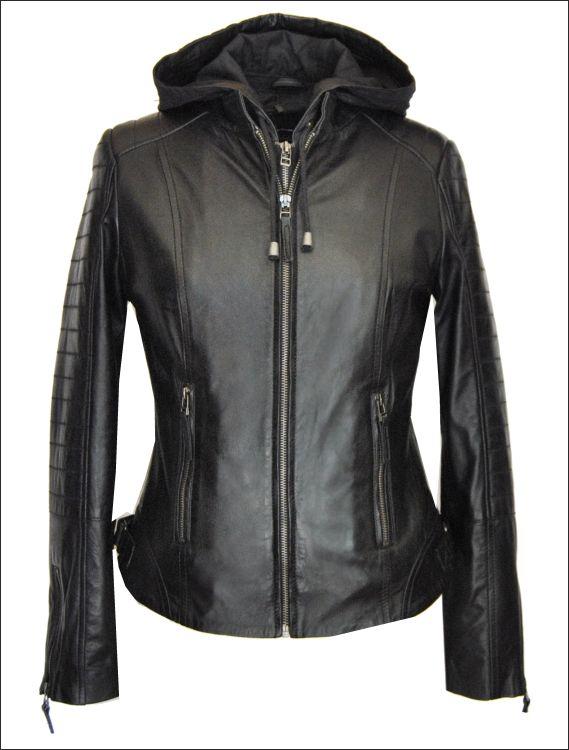 Γυναικείο δερμάτινο μπουφάν με προασθαφαιρούμενη κουκούλα και επένδυση  Μοντέλο: ALICE-5018 Δέρμα: nappa black Τιμή: 295€