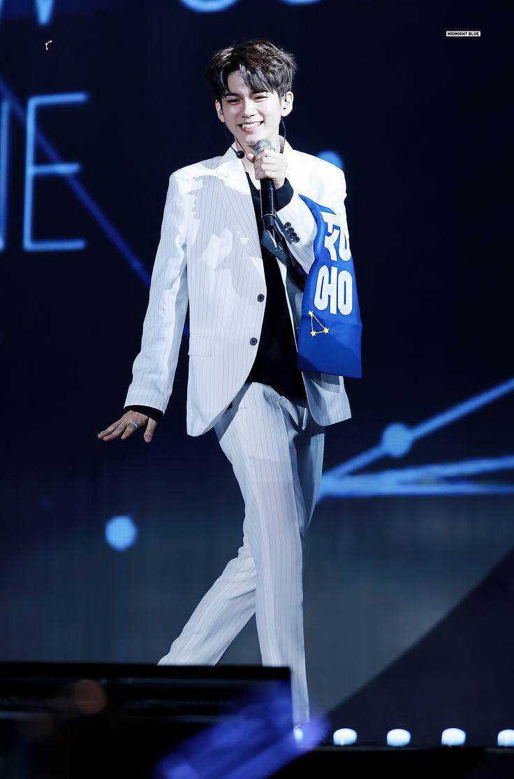 MIDNIGHT BLUE @midnight_OSO 옹성우 Ong Seong-woo ♡