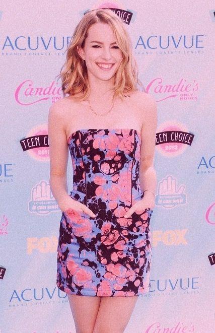 Brigitt Mendler in Teen Choice Awards 2013