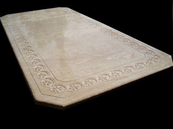 tavolo ottagonale in pietra