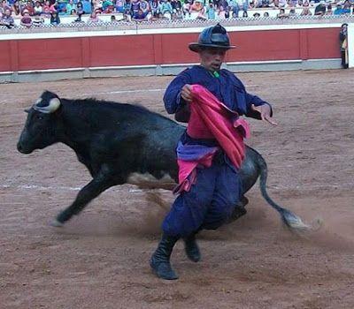 TORERIAS DE CHELIN: LAS CUADRILLAS COMICAS EN AMERICA ES EL ESPECTACUL...