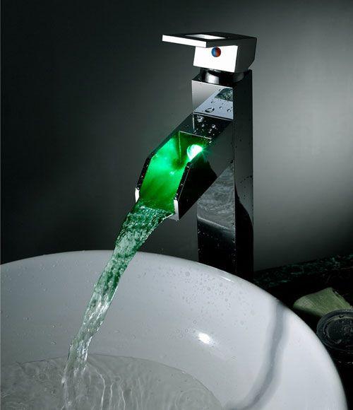 el cambio de color llevado grifo del fregadero cuarto de baño waterall (altura) con pop-up de residuos http://www.grifoso.com/el-cambio-de-color-llevado-grifo-del-fregadero-cuarto-de-ba%C3%B1o-waterall-altura-con-popup-de-residuos-p-42.html                                                                                                                                                                                 Más