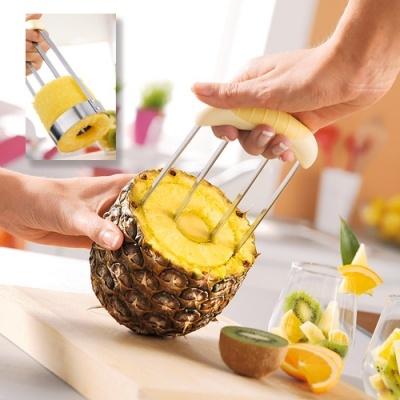 Les 25 meilleures id es de la cat gorie decoupe ananas sur for Decoupe fruit decoration