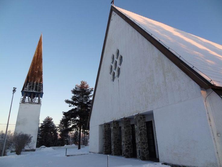 Pellon kirkko Pellon keskustassa Lapissa