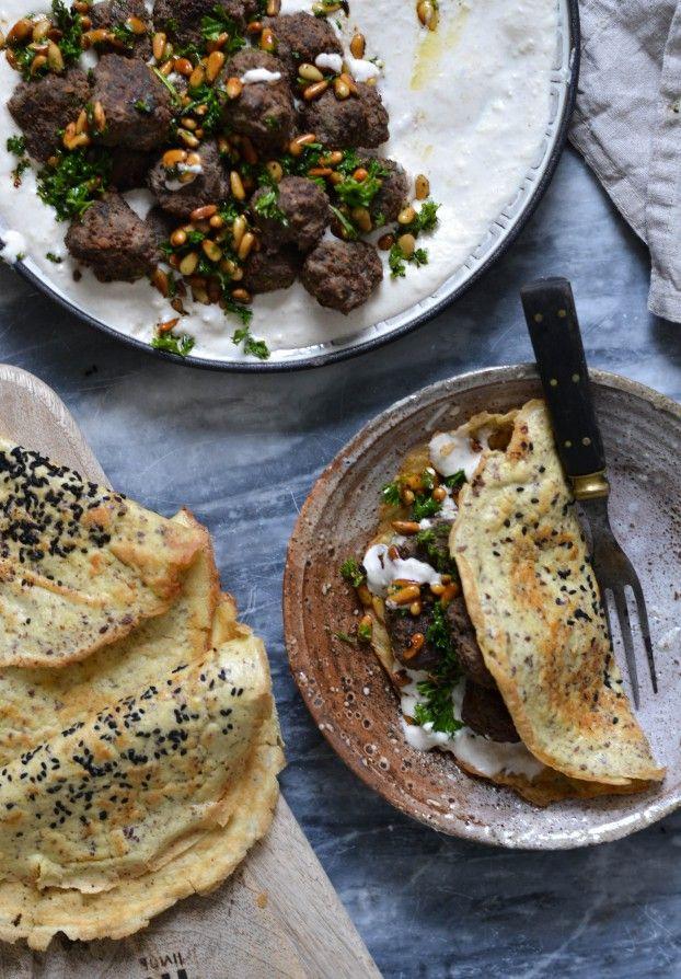 Middel eastern Meatballs with creamy bean hummus & grain free turkish flatbreads - A Tasty Love Story