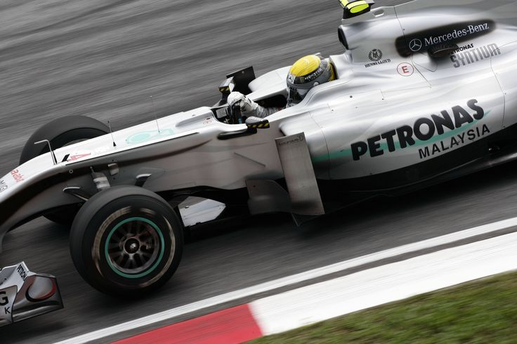 Nico Rosberg - Mercedes MGP W01 - 2010 - Malaysian GP (Sepang) [4961x3307]