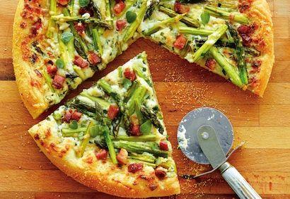 Pizza asperges, mascarpone et fines herbes - Coup de Pouce mai 2016