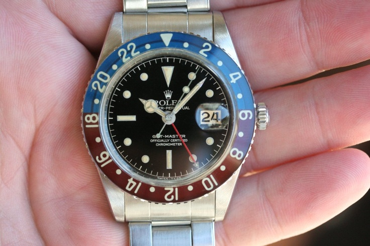 gotta love vintage GMT. The Pepsi bezel is so iconic.