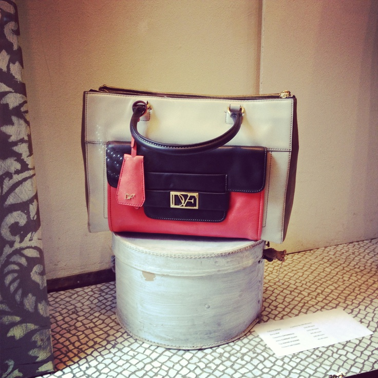 Diane Von Furstenberg tote, perfect for everyday use and super stylish! #DVF #DianeVonFurstenberg #tote #fashion #bag #ss13 #dolcitrame