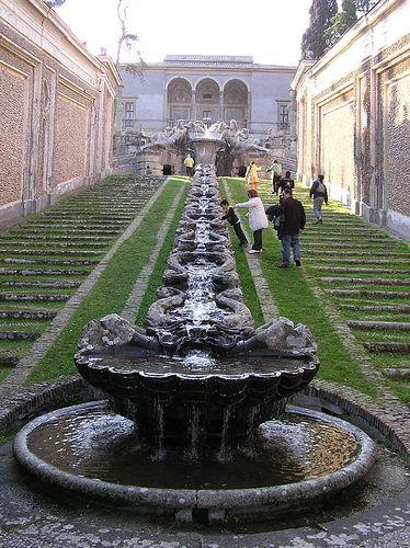 Catena d'acqua, Palazzo Farnese, Caprarola (VT) – aprile