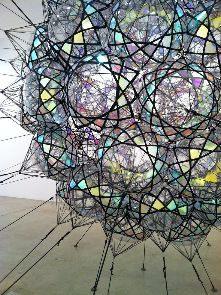 Tomás Saraceno deploys insights from engineering, physics, chemistry,  aeronautics and materials science in