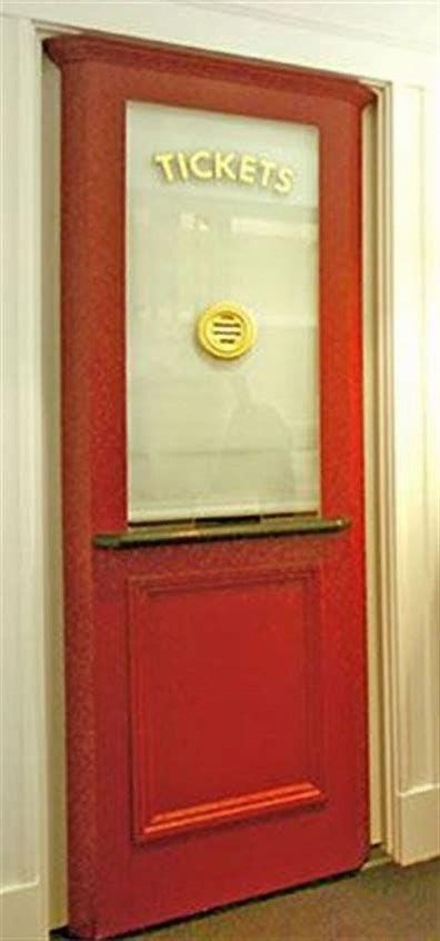 Resultado de imagen de Heimkino-Eingang mit Ticketschalter #hometheaterdesig …  Resultado de imagen de home theater entrance with ticket booth <a class=
