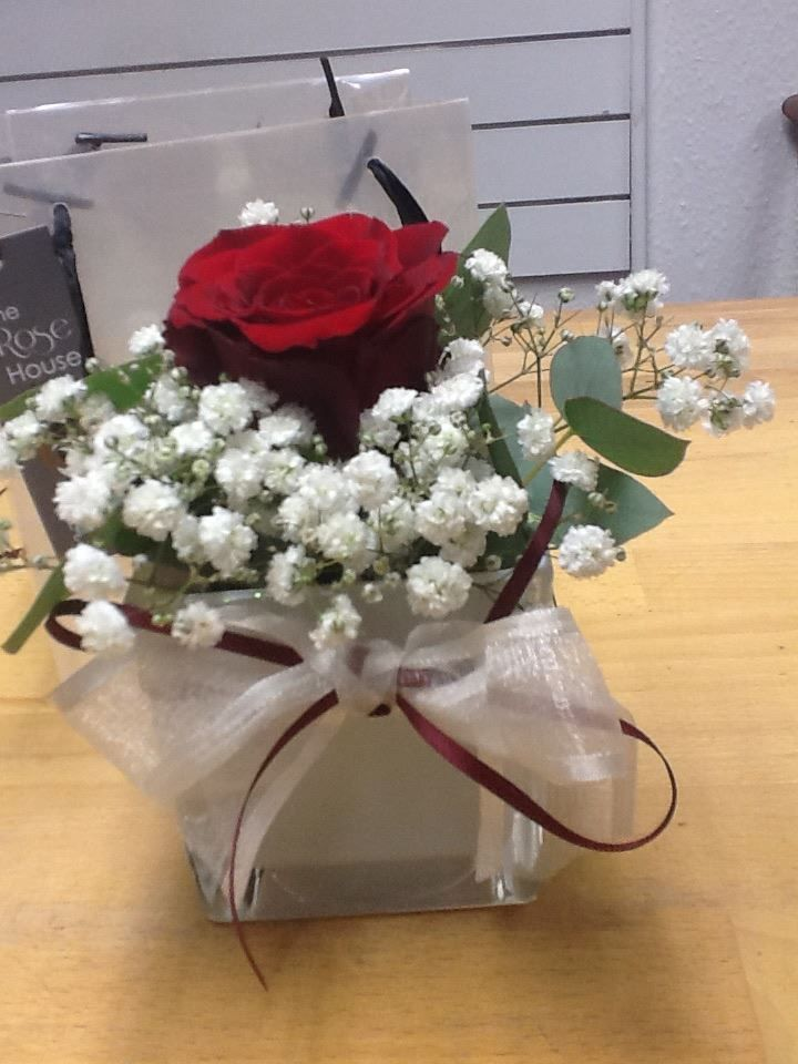 Hand tied posies from The Rose House #flowers #valentine