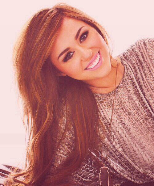 Miley Cyrus Make_up Odracht De Rosa School