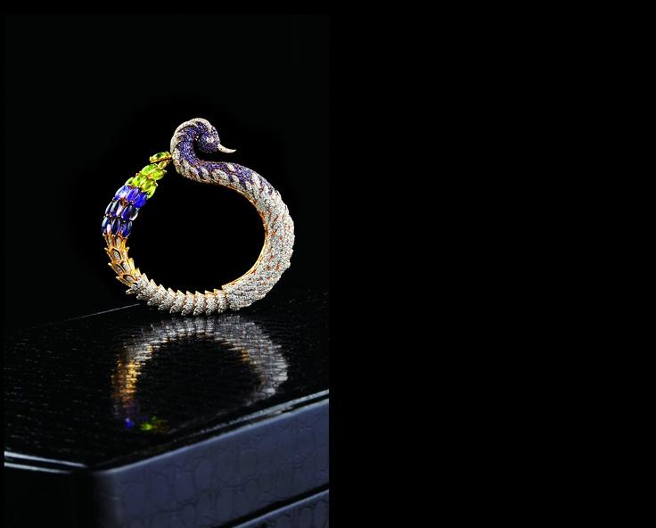 Peacock impression bracelet