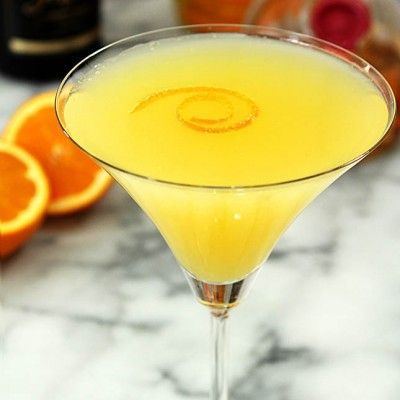 Spread a little sunshine when you craft up this luscious cocktail recipe. It's a mimosa alternative that pairs just as brilliantly with brunch.