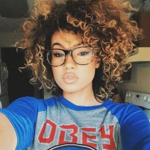 Natural Curly Hairstyle with Highlig hts
