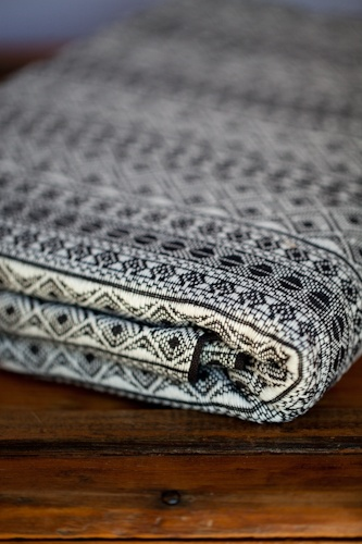 didymos Indio Black and White - this is on its way to me... luckiest mamma ever!