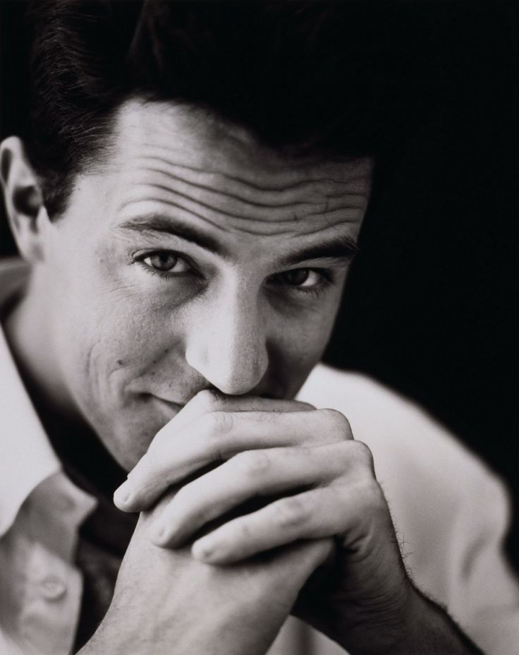 I don't know if it's because of Chandler Bing but I absolutely love him. Matthew Perry is <3