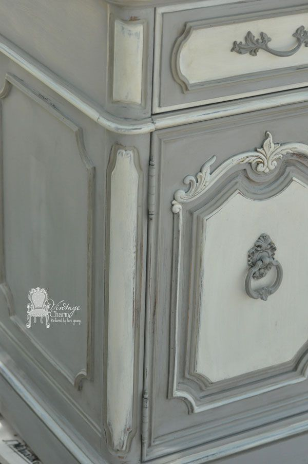 Painted French Dining Set She share along the way how chose the colors and some tips to help you get the look!!