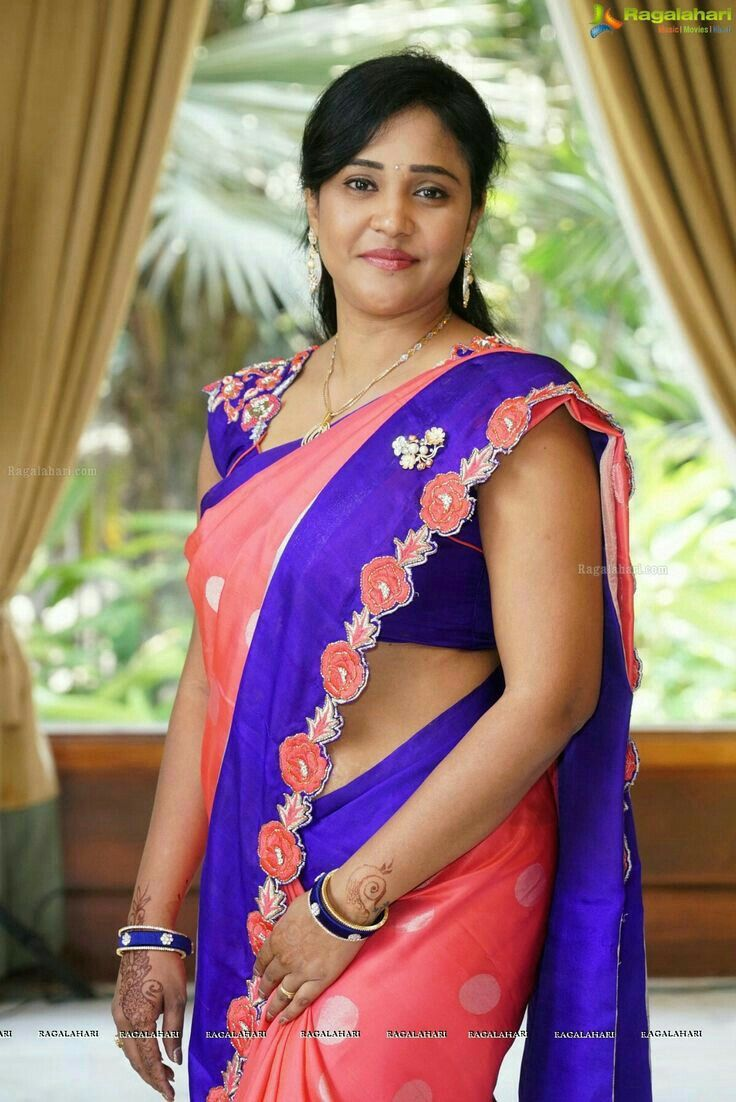 Pin on Indian Aunties in Saree