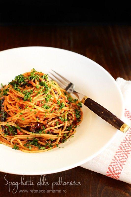 """Pe limba lor de origine (italiana) spaghetti alla puttanesca, o traducere exacta a acestui fel de mancare ar fi """"spaghete curvesti"""". Sa ma ierte obrazele prea sfioase, dar chiar asta inseamna. Italienii sunt oameni cu umor, nu se stie de ce anume au botezat aceasta reteta de paste astfel, dar au facut-o cu un motiv […]"""