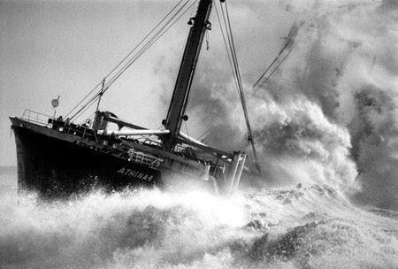 Escala de Beaufort- Expresa la fuerza del viento, consta de 12 grados relacionando la intensidad del viento con su efecto en la superficie del mar.    Expresa la fuerza del viento, consta de 12 grados relacionando la intensidad del viento con su efecto en la superficie del mar.