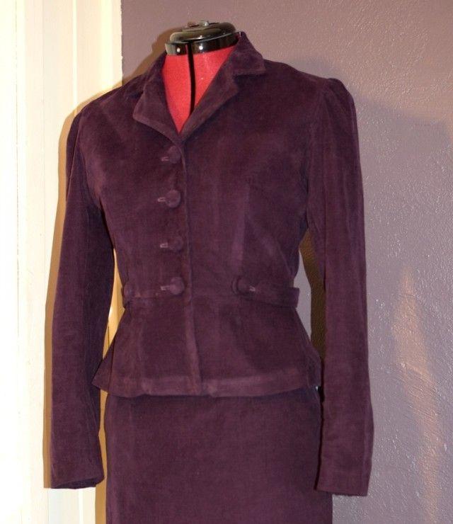 En jakke med krage er enkel å pynte opp og ned, og et praktisk basisplagg i garderoben. Foto: H. Siggerud